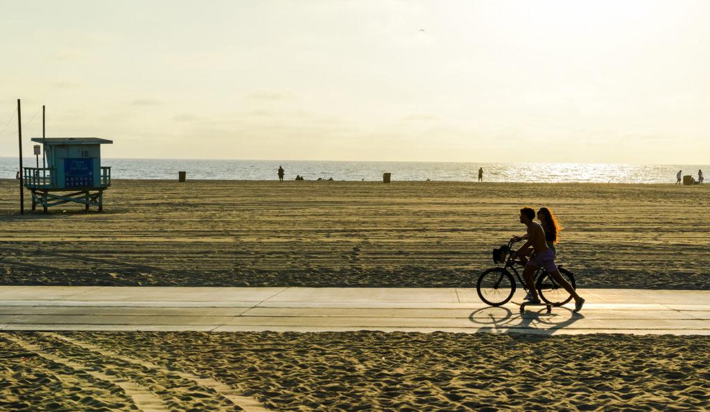 Hotel walking distance to downtown Santa Monica